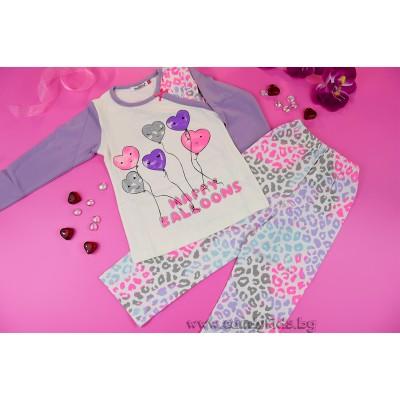 Красива пижамка за момиче