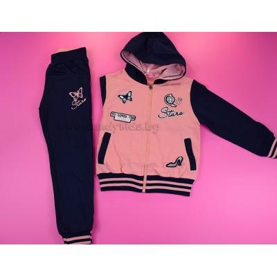Хубав спортен екип за момиче розов